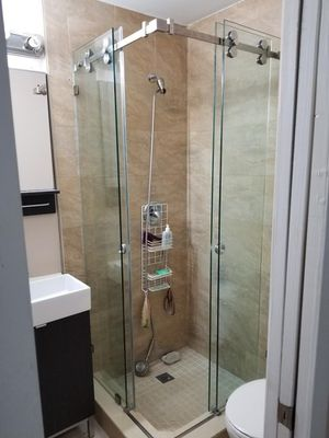 All star shower door for Sale in Hialeah, FL