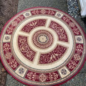 Empire Round Rug for Sale in Lynnwood, WA
