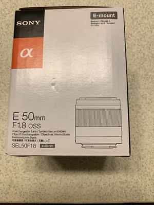 Sony 50mm 1.8 Emount Lens Mint condition for Sale in Tampa, FL