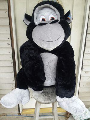 5ft TALL GORILLA for Sale in San Antonio, TX