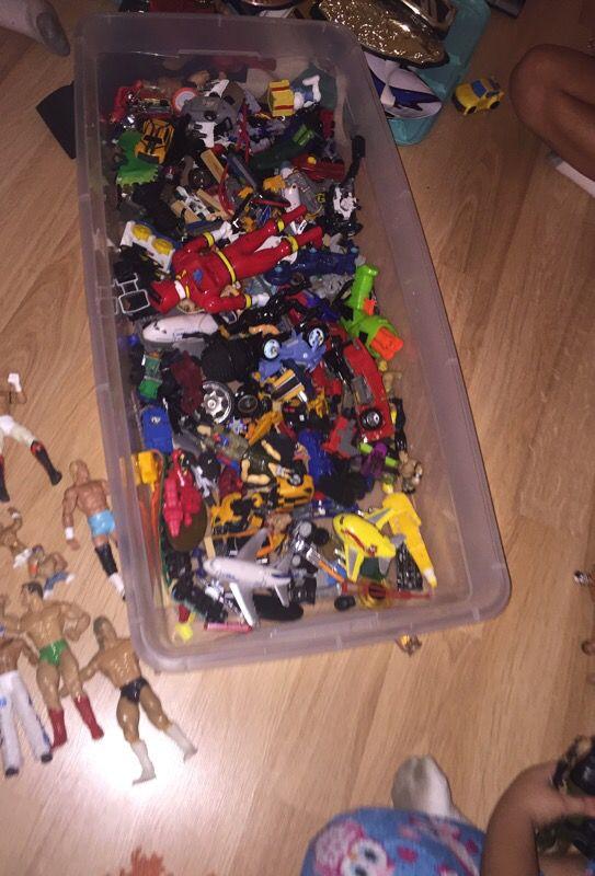 Toys wrestlers