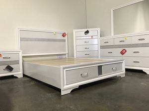 Coaster Miranda Storage Bed Frame, Queen Size, White for Sale in Santa Ana, CA