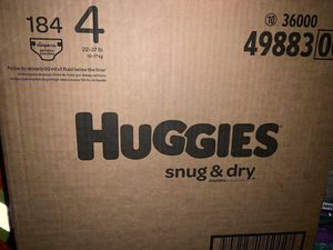 Huggies diapers/pañales size 4 snug dry for Sale in Downey, CA