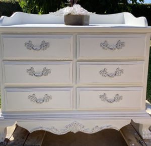 French Provincial Buffet / Dresser / TV Stand / Coffee Bar for Sale in West Covina, CA