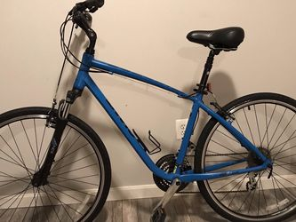 Giant Bicycle (Cypress DX) for Sale in Purcellville,  VA