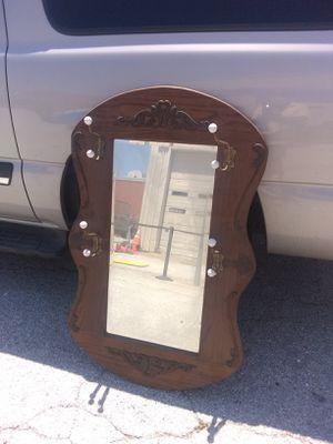 Espejo antiguo en buen estado for Sale in Dallas, TX