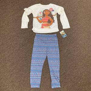 NWT Moana Ruffle Top and Joggers Set for Sale in Chicago, IL