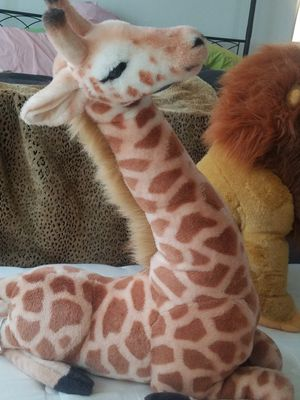 Large giraffe & authentic Disney Simba for Sale in Chino Hills, CA