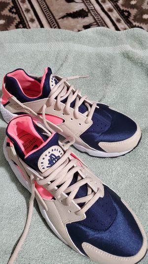 Tenis de mujer Huarache Nike size 9.5 for Sale in Burke, VA