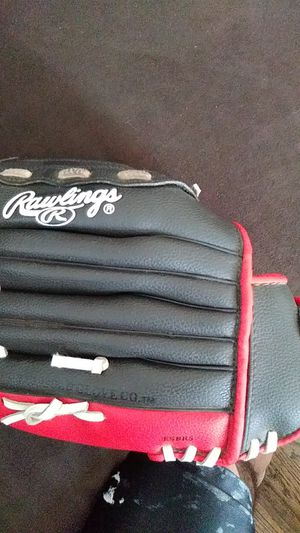 Rawlings kids glove for Sale in Hawthorne, CA