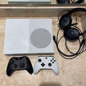 Xbox One s 1tb for Sale in Phoenix, AZ