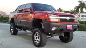 2003 CHEVY AVALANCHE. for Sale in Pomona, CA