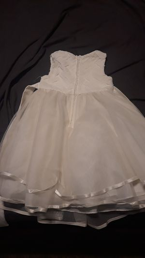flower girl dress size 5t for Sale in Las Vegas, NV
