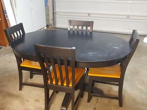Kitchen table and four chairs for Sale in Tacoma, WA