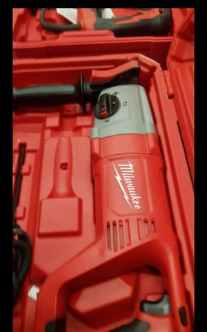 "MILWUAKEE CORDED 1""IN SDS PLUS ROTARY HAMMER NEW for Sale in San Bernardino, CA"