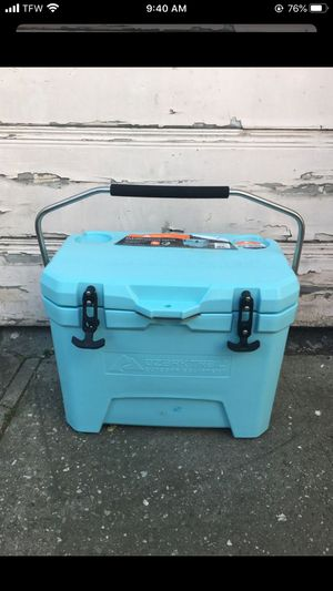 Ozark Trail 26-Quart High-Performance Cooler for Sale in Los Angeles, CA