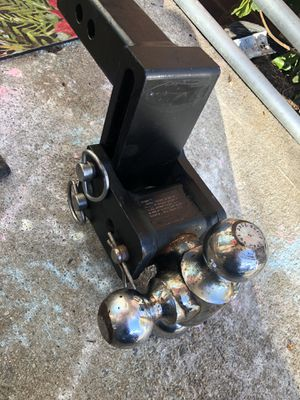 Quick draw tow and stow hitch for Sale in Atlanta, GA