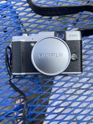 Fuji XT-20 w /charger and battery strap for Sale in El Monte, CA