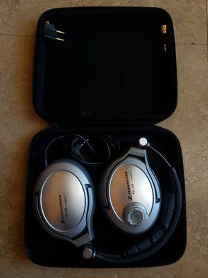 New Sennheiser PXC 450 Noise Cancelling Headphones w/case for Sale in Chandler, AZ