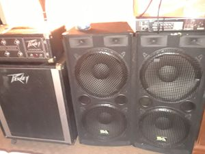 Peavey amp and 500w speakers for Sale in Bluefield, WV