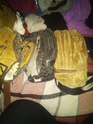 2 mizuno and 1 premier baseball glove for Sale in Fresno, CA