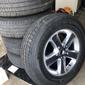LIKE NEW WHEELS AND TIRES for Sale in St. Louis, MO