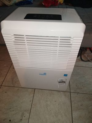 Ideal air dehumidifier 80 pint (New) for Sale in Bothell, WA