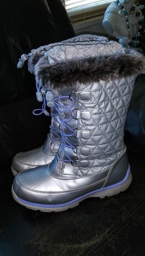 Girls Womens Boots for Sale in Grand Blanc, MI