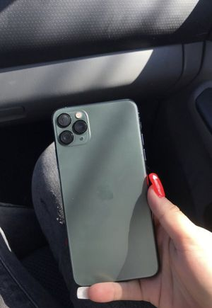 iPhone 11 Pro Max 256 GB UNLOCKED - Zelle or Cashapp only for Sale in Los Angeles, CA