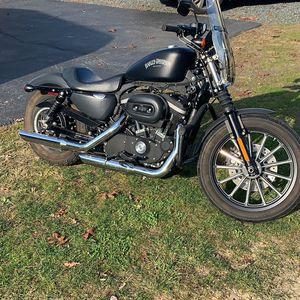 Harley Davidson 883 Iron Sportster for Sale in Manassas, VA