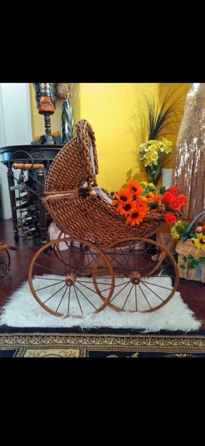 Vintage Carriage for Baby Shower Photo Shoot. 2 available ($80 each) for Sale in San Diego, CA