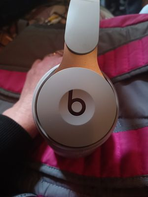Beats By Dre Solos Bluetooth Headphones for Sale in Issaquah, WA