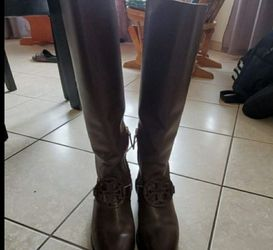 Boots Tory Burch Size 8 Like new for Sale in Inkster,  MI