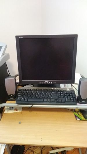 Dell Computer Monitor Keyboard and 2 speakers for Sale in Fort Washington, MD