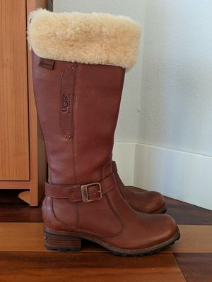UGGS: Waterproof leather and sheepskin, size 6.5, like new for Sale in Denver, CO