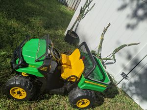 John Deere XUV Gator 12 Volt for Sale in Tampa, FL