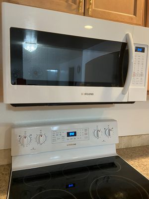 Microwave and stove Samsung for Sale in Boise, ID