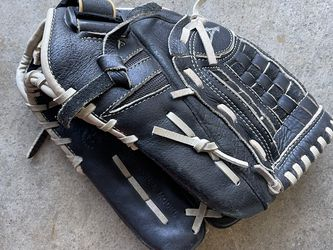 Youth Softball Glove - Size 12 Inches for Sale in Carson,  CA