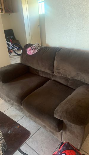 Couches 4 years old for Sale in Richmond, CA