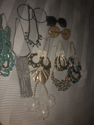 Costume Jewelry for Sale in Claremont, CA