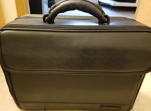 Targus large black leather laptop bag/travel bag/briefcase for Sale in Elkhorn, WI