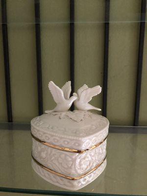 Lenox porcelain doves box for Sale in Dallas, TX
