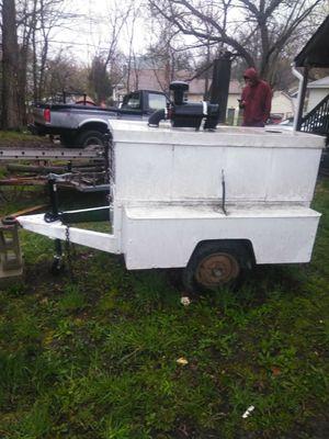 $750 air compressor , four cylinder Wisconsin motor , good tires for Sale in Pontiac, MI