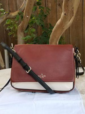 Large Kate Spade tri tone crossbody bag for Sale in Arlington, TX