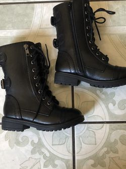 NEW TODDLER GIRL BOOTS SIZE 11 for Sale in Riverside,  CA