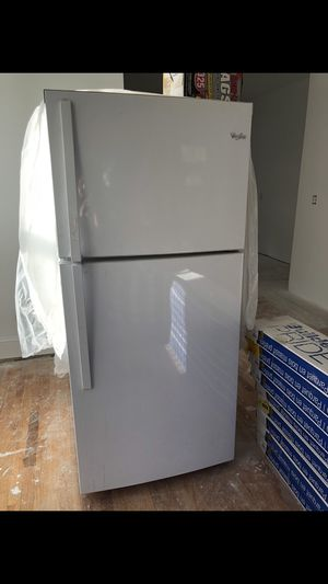 Whirpool - 30-inch Wide Top Freezer Refrigerator - 19 cu. ft. White for Sale in Washington, DC