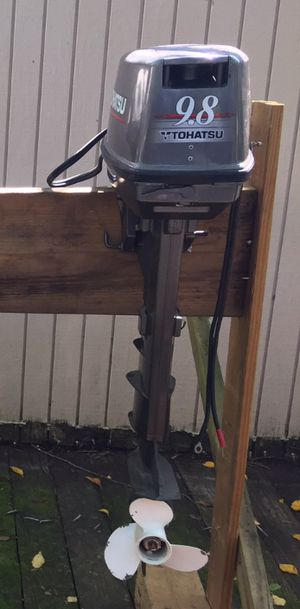 Tohatsu 9.8 Hp Outboard Motor Long Shaft $1099 Runs great Low Hours, With Electric Start/Battery Charger for Sale in Clinton, MD