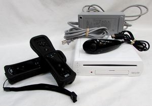 NINTENDO WII U WUP-001(02) WHITE CONSOLE SYSTEM W/2 CONTROLLER NO GAME PAD for Sale in Plantation, FL