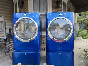 Electrolux washer and dryer set with pedestals he energy efficient for Sale in Mount Joy, PA
