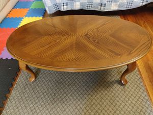 Wooden coffee table for Sale in Queens, NY
